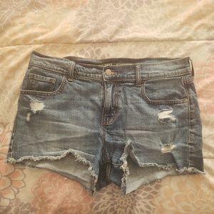 Old Navy bottoms raw hem denim shorts